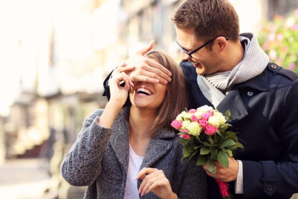 甘~い交際ができる12星座別「ロマンチックな男」ランキング