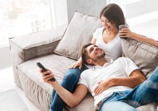 白昼堂々!…不倫妻が家に浮気相手を呼ぶ時に注意してること3つ