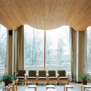 「家はデザインする時代に」北欧のアアルトとル・コルビュジエの2展