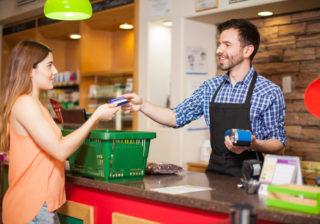 コンビニ・ATMは危険!お金が貯まらない人の「NG生活習慣」3つ