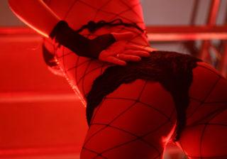 えっ目の前で…性に潔癖な女性ライターの「ハプニングバー」初体験記