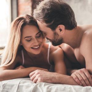 男がそそられる…ベッドでの「女の恥じらい言動」4選