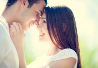大人なキス…男がキス中「女に触っていて欲しい」部位4選