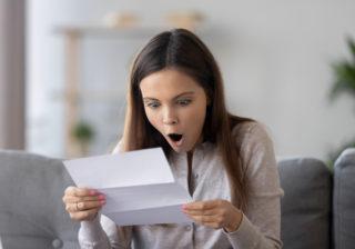 の、呪いの紙…!? 女が驚愕した「男からのドン引きプレゼント」
