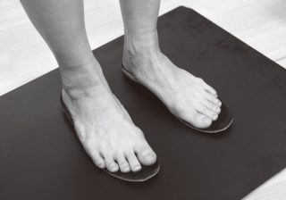 足の悩みには「インソール」が良い!? 保険適用でオーダーメイドも