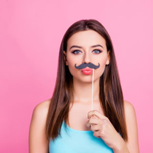 口ヒゲ、足クサ、汚風呂…ズボラ女子を美女に変える身近な最強ツール