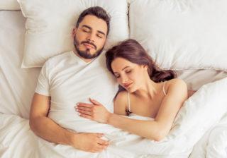 寝ているときに…男が「他の男に知られたくない」彼女の魅力4つ
