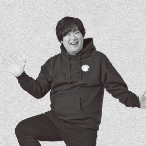 岡崎体育「いつも泣きながら…」 MC業の母に鍛えられる!