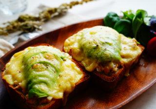 おうちデートの朝食に! とろ~りチーズで男が喜ぶ「簡単パンレシピ」