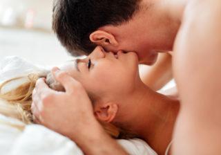 射手座は禁断の恋の予感…12星座別「夏のセックス運」