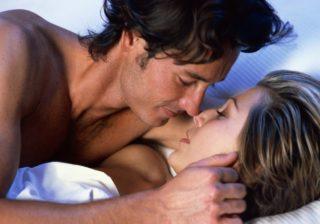 アソコをレロレロ…されて気持ちよかった「最高のキス」3つ 女は心で濡れる #80