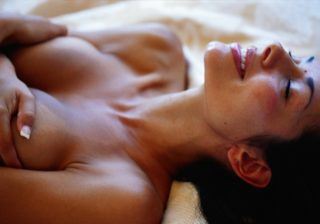 小さくてもOK…! 男がされて嬉しい「夜のおっぱいプレイ」3つ 女は心で濡れる #71