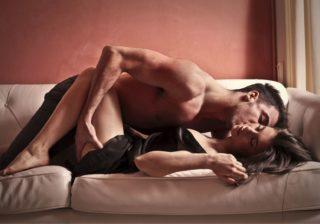 触るとジワッ…男が興奮する「女性器の感触」5つ