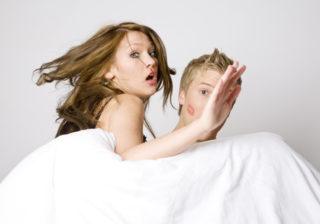衝撃! 辛い失恋体験談…立ち直れる?「悲惨な浮気現場」8選