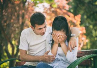 彼が好きすぎて辛い… 「恋愛依存」から抜け出す5つの方法