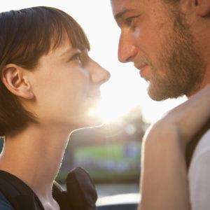 女子力よりも人間力! 男が惹かれる「愛され女子の特徴」