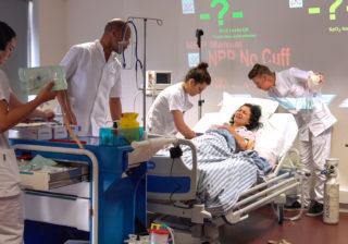 深刻化する看護師不足…巨匠が目撃した医療現場で起きている問題