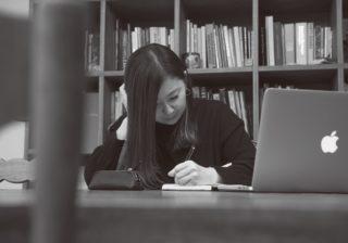 星野源のCDジャケも! デザイナー・吉田ユニ、アイデアの源泉は?