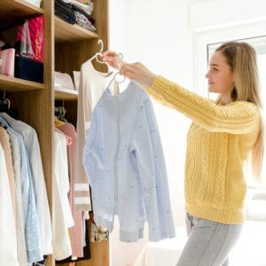 服は入れ替えない! ズボラでもできる「簡単な衣替え」のコツ