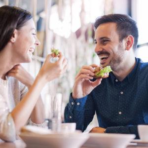 シェフにご挨拶を…男が感動した「食事デート中の言動」4つ