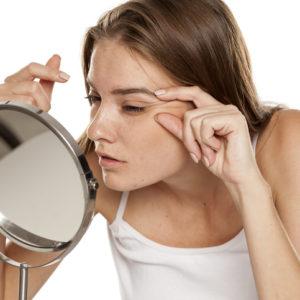 顔の形でわかる!? 将来できる「顔のシワ」と改善方法