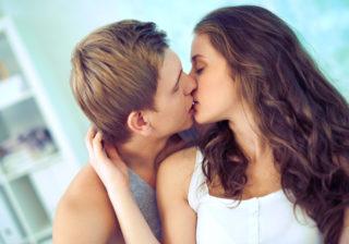 チューしたいな…奥手な彼へのキスのおねだりテクニック4選