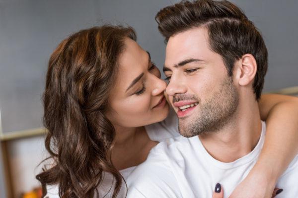 キス 男が喜ぶキス キステク キステクニック キスの焦らし方