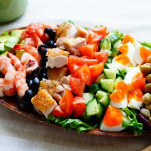 ガッツリ食べられてヘルシー!…誰もが満足「簡単ボリューミーサラダ」
