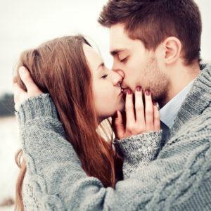 付き合う前のキスはあり? なし? …女性たちの意外な本音4選