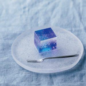 ガラス細工のような和菓子にうっとり…日本酒にも合う逸品とは?