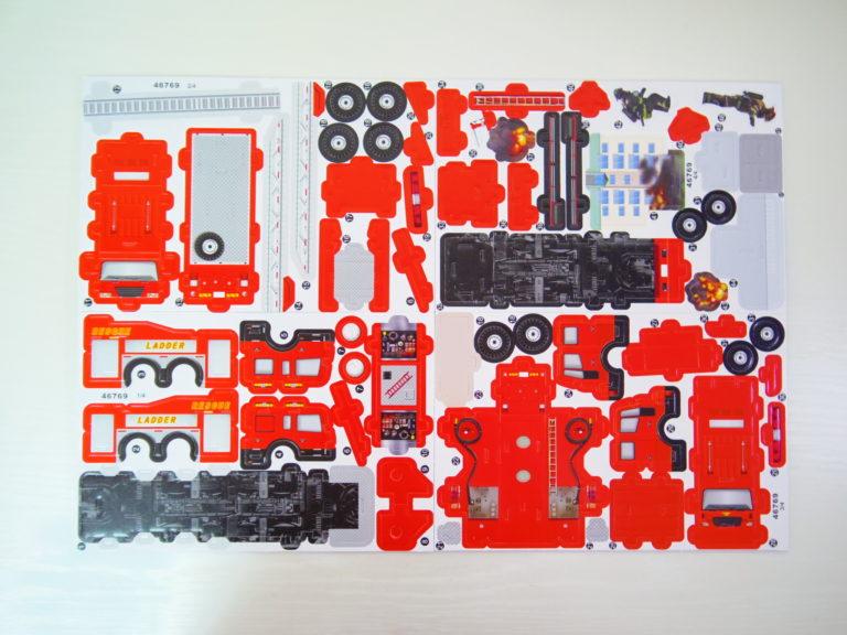 ダイソー「3Dパズル 消防車」2
