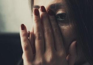 多額の慰謝料が… 不倫に明け暮れた女の「悲惨な末路」3つ