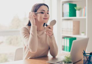 在宅勤務でメイクしてる?…意識調査で見えた「20~30代女性のリアル」