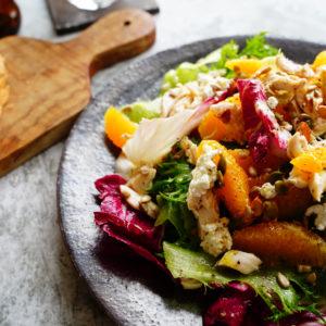 サラダチキンを使って…豪華に見える「ごちそうサラダ」簡単レシピ