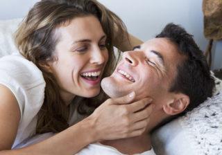 口だけを使って…ベッドタイムで男が「ワクワクした行為」4選