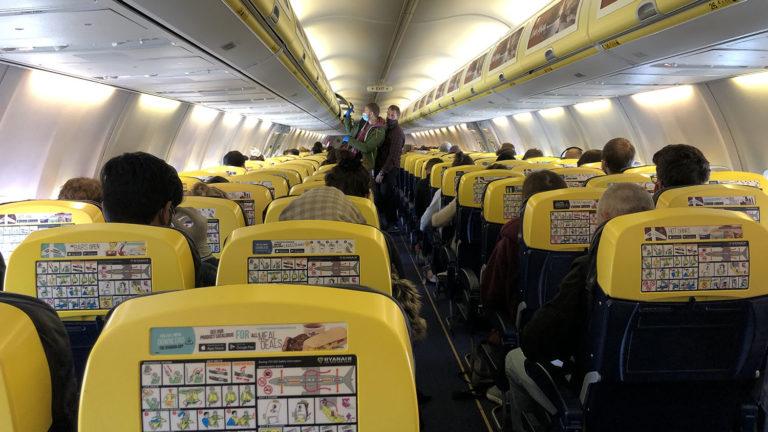 ベルリン行きの飛行機内