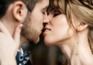 キス中にアレを突き出して…♡ 彼に「相性がいい」と感じさせるテク4つ
