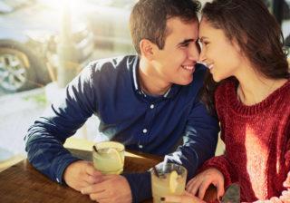 本音がポロリ… 「プロポーズを考えている」男性が出すサイン6つ