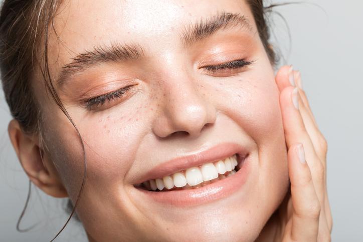 ビタミンC 美容液 シミ そばかす 毛穴