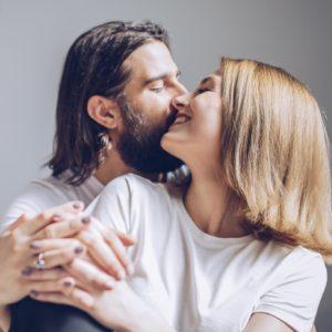 焦らされて悶絶…男性が燃え上がる効果的なキステク4選