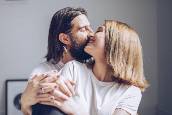 男が悶える「キスの効果的な焦らし方」