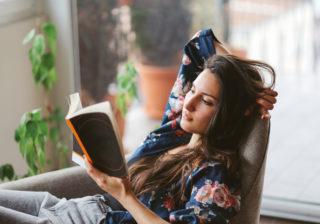 いつ何を読んでるの?…女性約200人に聞いた「好きな本・漫画」