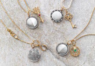 神秘の「月の相」に力を借りて。幸せを呼ぶムーン&モチーフネックレスチャーム。