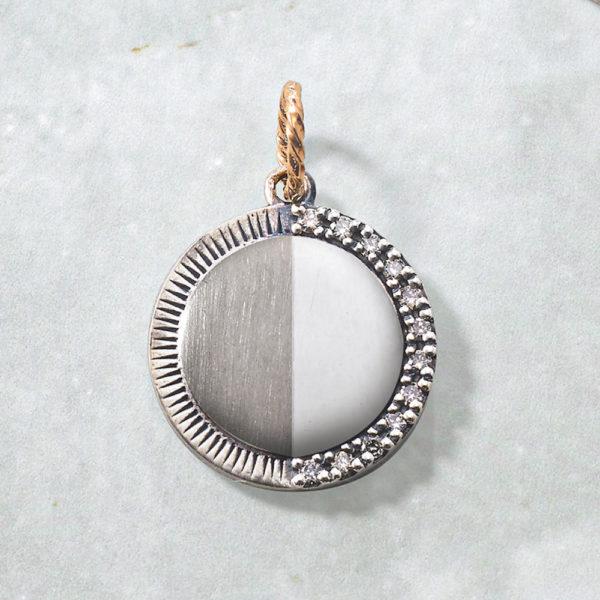 チャーム【上弦の月】(SV×K10×ダイヤモンド)¥17,000