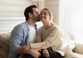 どんなキスされてる? 【血液型別】男性が「本命女性にだけするキス」