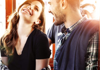 もっ、もっと見たい… 男性が思わず目を奪われる「女性の胸の揺れ方」4つ