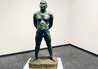 悶絶級の美しさ!…「強い男」の裸体が話題『男性彫刻』に潜入