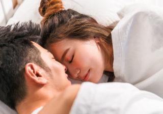 """""""プニプニ感""""がたまらない…! 彼がベッドの中で思わず触りたくなる「魅惑的な女性のパーツ」3選"""