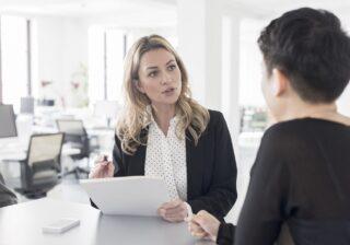 一緒に仕事したくない…女性約200人に聞いた「嫌いな上司」体験談