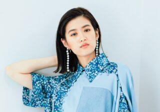 """小西桜子の春ファッション パステルカラーは""""補色の組み合わせ""""が今季風"""